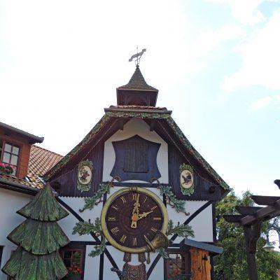 Weltgrößte Kuckucksuhr (auÃ�erhalb des Schwarzwald)