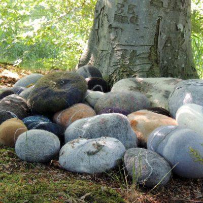 Steine aus Filz